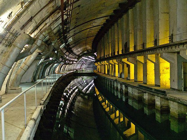 Tajna baza radzieckich okrętów podwodnych - morskie tunele w zboczu góry