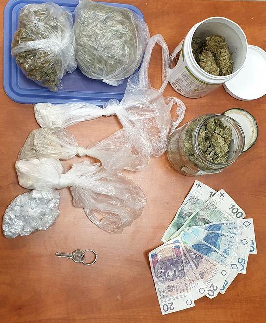 Warszawa. U 18-latka znaleziono narkotyki