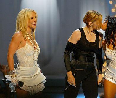 Christina Aguilera pocałowała Madonnę 17 lat temu