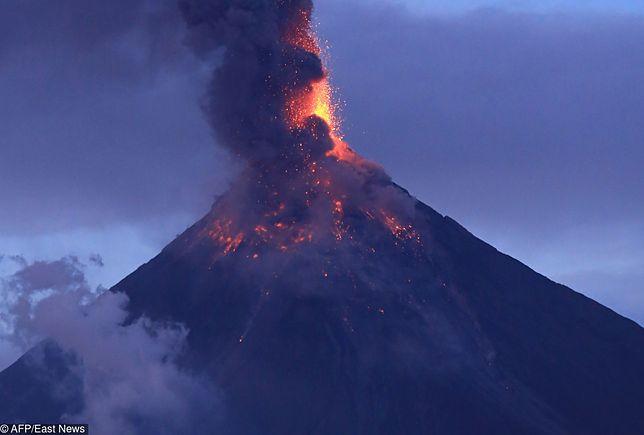 Trwa erupcja wulkanu Mayon. Tysiące ewakuowanych