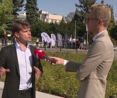 """Protest Agrounii przed Sejmem. Michał Kołodziejczak: """"Jarosław Kaczyński zrzucił bombę atomową"""""""