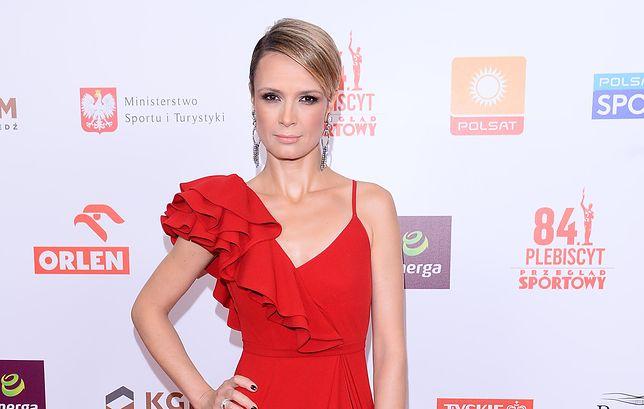 Paulina Chylewska na Gali Mistrzów Sportu w zmysłowej czerwieni