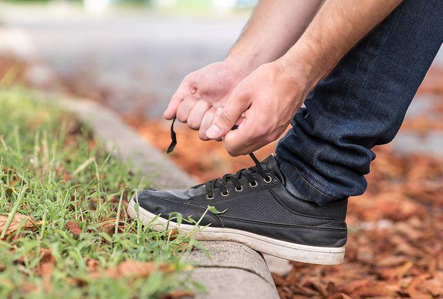 Czyszczenie butów sportowych