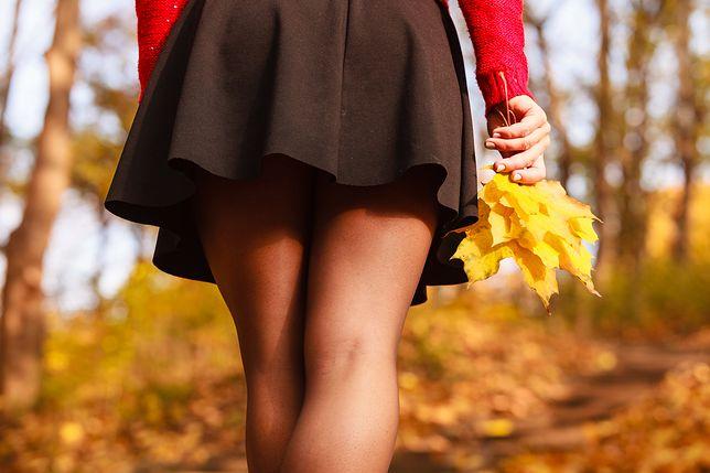 Krótka spódnica lub spodenki na jesień urozmaicą klasyczne zestawy