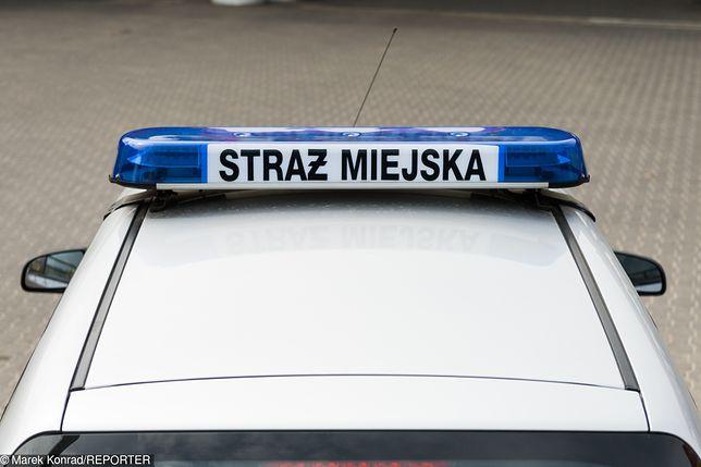 Strażnicy miejscy znaleźli pijaną 13-latkę. Jej koleżanka została zgwałcona