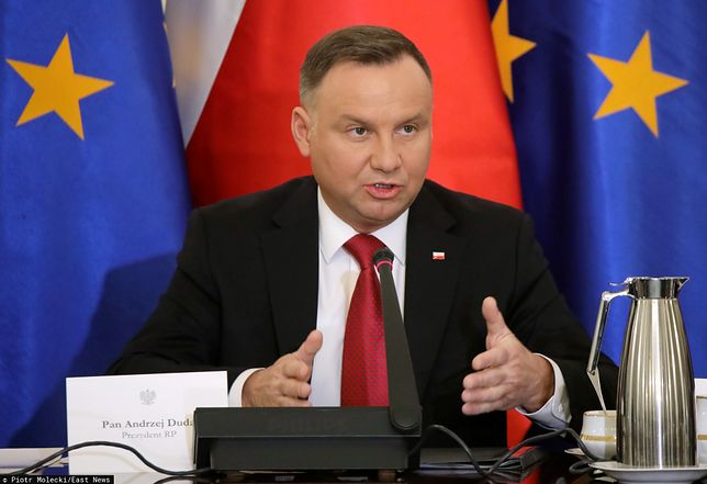 Prezydent Andrzej Duda zaczyna być znany z ostrych przemówień