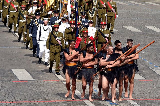 Francja hucznie obchodzi swoje święto narodowe