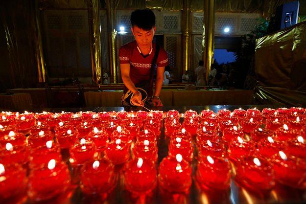 Do 85 wzrosła liczba zabitych w wybuchach w Tiencin