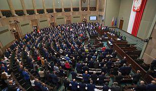 Sejm w rzadkiej chwili ponadpartyjnej zgody