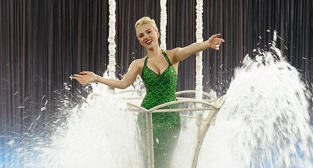Scarlett Johansson śpiewa New Order w szczytnym celu