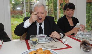 """""""Rozgotowany Jarek"""" i inne typy Polaków. Make Life Harder: o czym rozmawiać z rodziną przy stole?"""