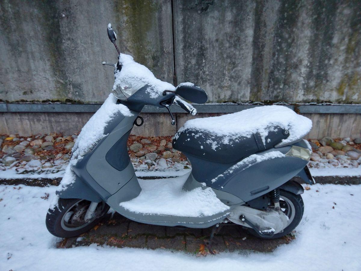 Jazda skuterem zimą wymaga przygotowania.
