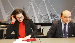 Pełniąca obowiązki prezydenta Gdańska Aleksandra Dulkiewicz i szef ECS Basil Kerski
