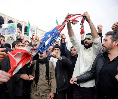 Antyamerykańskie nastroje w Iranie nasiliły się po czwartkowym ataku w Bagdadzie