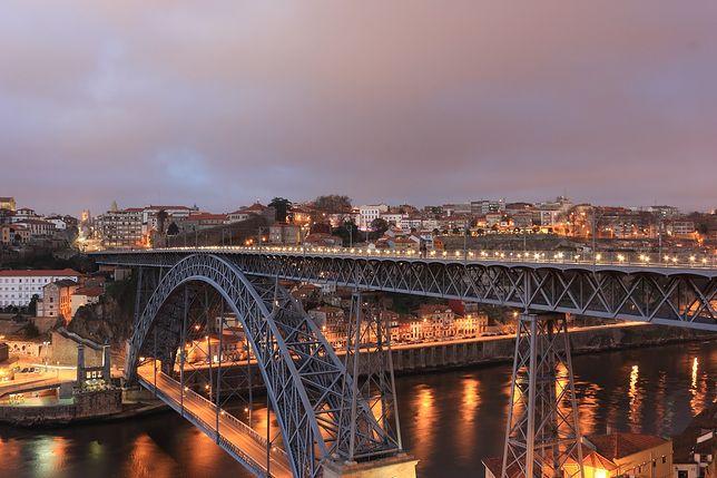 Lotnisko Porto (Francisco Sá Carneiro). Jak dojechać do miasta?