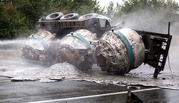 Ciekłe aluminium zapaliło nawierzchnię autostrady w Niemczech