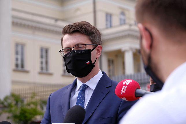 Wybory prezydenckie 2020. Rzecznik rządu Piotr Mueller zapewnia, że rząd nie boi się kontroli NIK