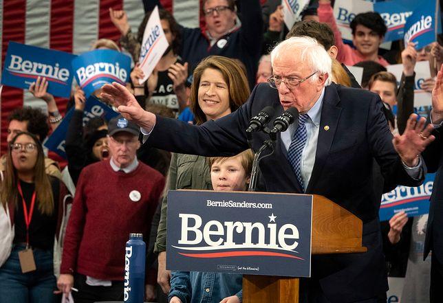 Bernie Sanders wygrywa prawybory w New Hampshire