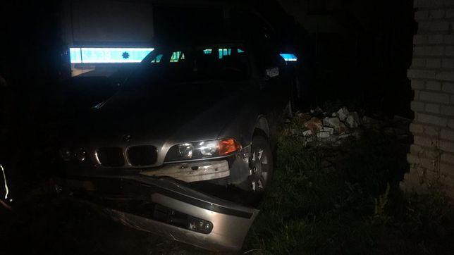 Mężczyzna usiłował staranować policyjny radiowóz