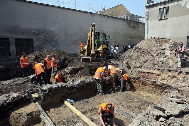 IPN szuka przy Rakowieckiej szczątków ofiar UB