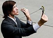 Kryzys nie zjadł pensji bankierów