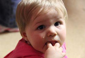 Jak postępować z dzieckiem, które płacze i marudzi podczas choroby? Podpowiadamy!