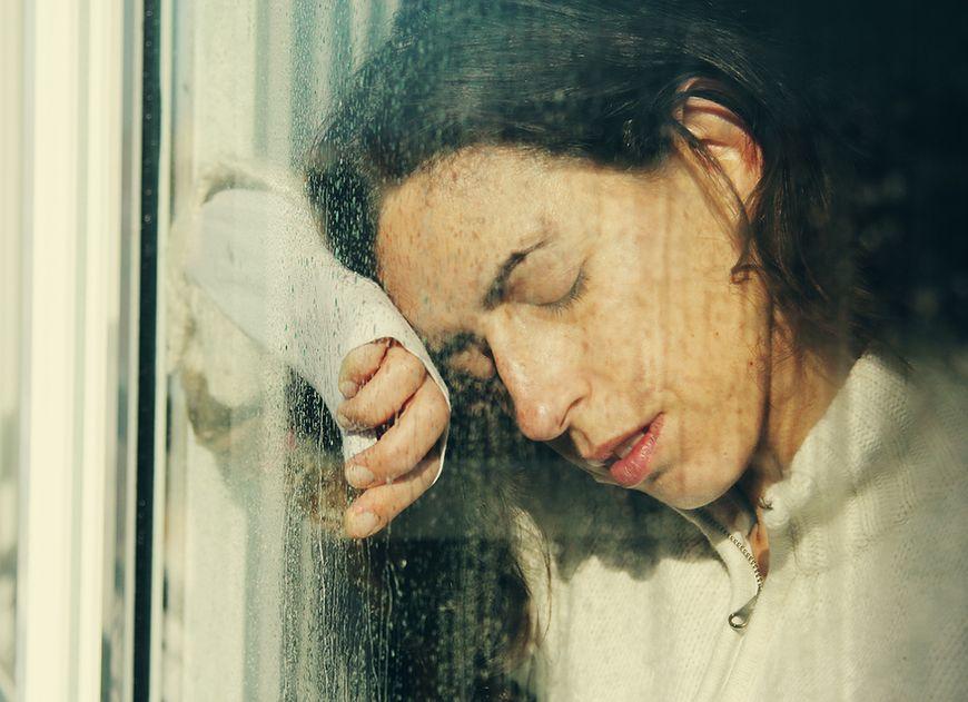 Mit 2: Wilgoć i zimny klimat wywołują reumatyzm