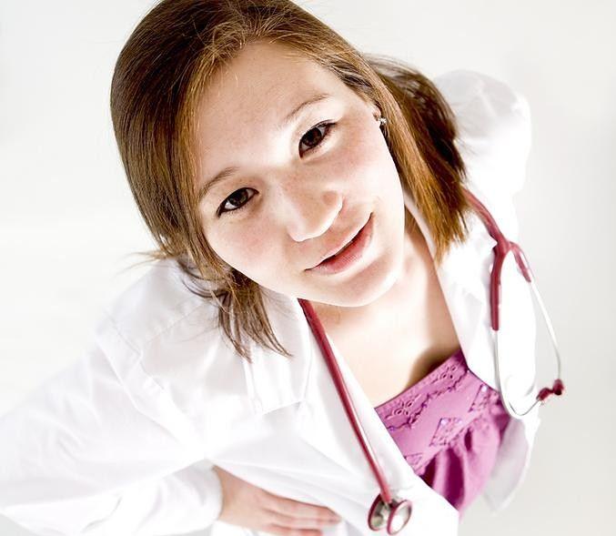 Młoda lekarka
