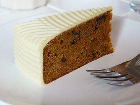 Szukasz zdrowego deseru? Wybierz ciasto marchewkowe