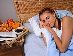Jedzenie, które ma wpływ na sen
