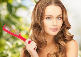 Dowiedz się, jak prawidłowo czesać włosy