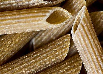 Pełnoziarnisty makaron to dobre rozwiązanie, aby uzupełnić niedobory błonnika