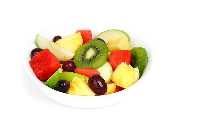 Sałatka ze świeżymi owocami? Dlaczego nie.