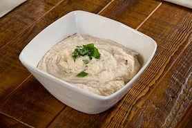 Idealny dodatek do sałatki? Dip z sera camembert!