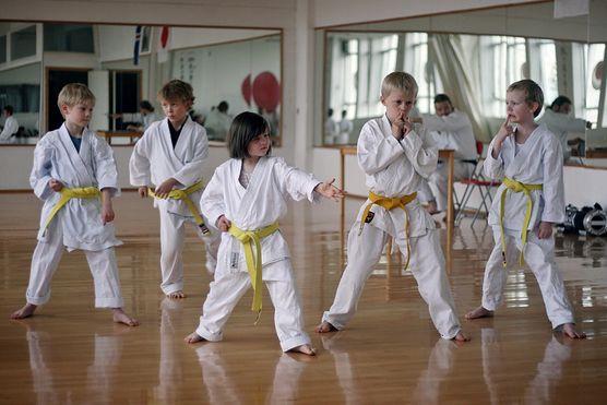 Karate kid! Zobacz, dlaczego warto posłać dziecko na karate i dlaczego nie musisz się o nie bać