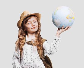 Wyprawka szkolna dla dziewczynki nie musi być droga. Zobacz oferty z wyprzedaży
