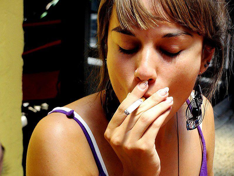 Bóle głowy - papierosy