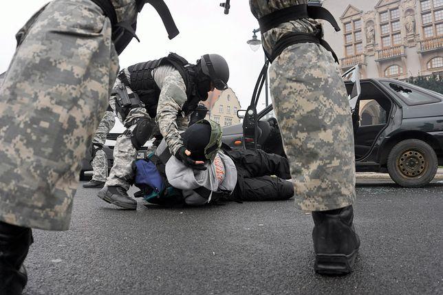 Policja apeluje do internautów. Chodzi o pomoc dla rodziny zmarłego antyterrorysty z Wrocławia
