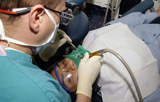 Sąd skazał na osiem lat więzienia sadystycznego dentystę