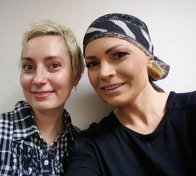 Dziennikarka relacjonuje walkę z rakiem w mediach społecznościowych.