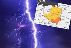 Groźne burze i trąby powietrzne nad Polską. IMGW wydał alerty. Dotyczą 12 województw