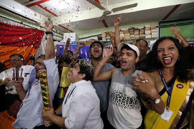 Sąd Najwyższy w Indiach zniósł kary na homoseksualizm.