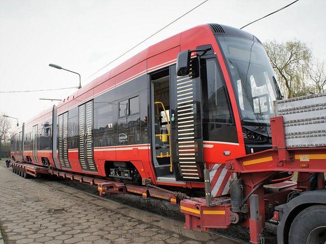 Śląskie. Spółka Tramwaje Śląskie otrzymała ostatni z 35 nowych tramwajów z opóźnionego zamówienia w bydgoskiej Pesie.