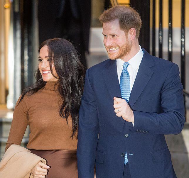 Książę Karol wyrzucił Meghan i Harry'ego z rodziny królewskiej? Królowa nic nie wiedziała