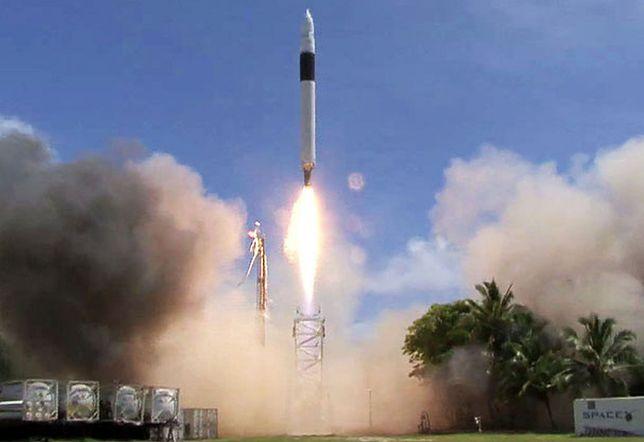 STP-2 to już trzecia misja Falcona Heavy - rakiety należącej do SpaceX Elona Muska