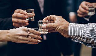 Zdecydowana większość dorosłych Polaków pije alkohol w Boże Narodzenie.