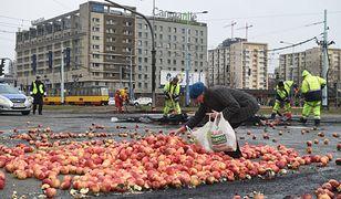 Rolniku, zastanów się dwa razy, zanim zmarnujesz choć jedno jabłko. Bieda jest też w Warszawie