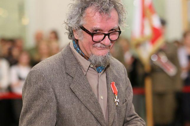 """Sam nazwał się """"Misiewiczem PRL-u"""". Dostał medal za zasługi, gdy zrobił kilka zdjęć żołnierzom"""