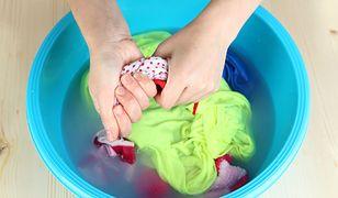Skurczone w praniu ubraniu da się jeszcze przywrócić do stanu używalności