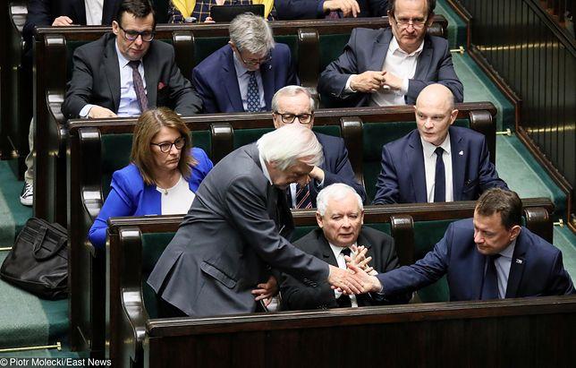 Polacy zabrali głos. PiS liderem, PSL żegna się z Sejmem